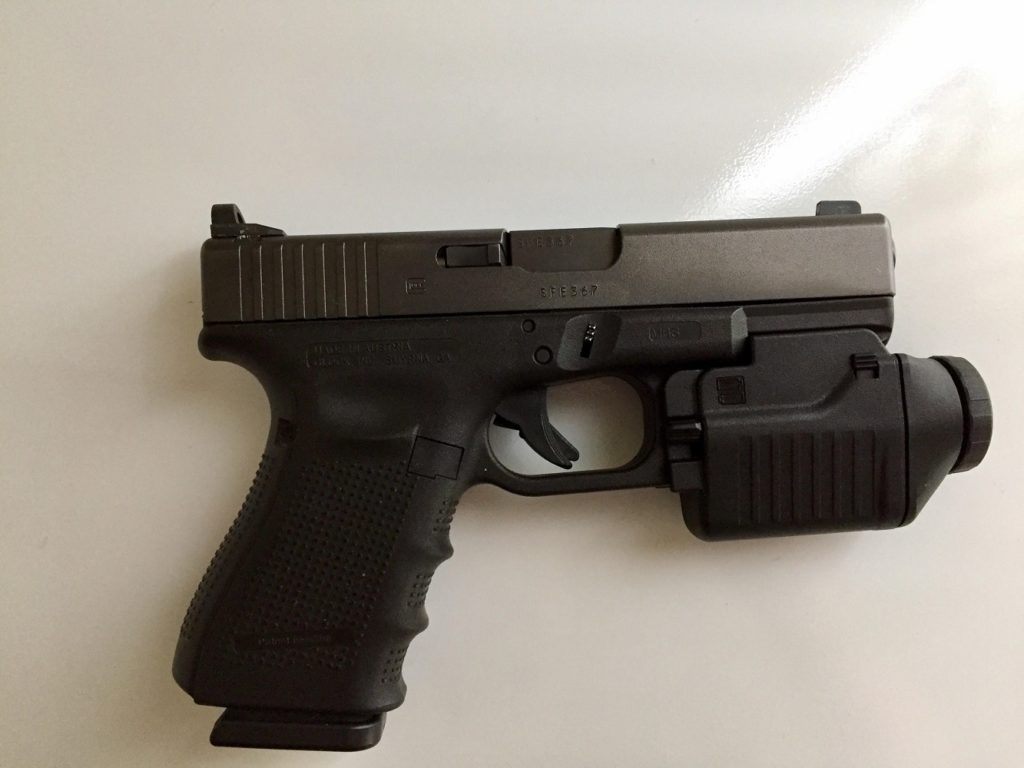 Glock 19 tactical light